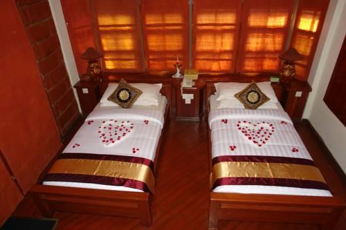 02e6c-bagan-princess-hotel-room-2.jpg