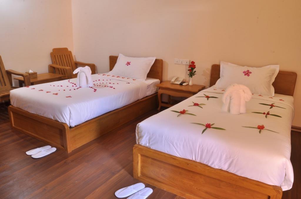 0eb2b-bagan-emerald-hotel-room-4.JPG