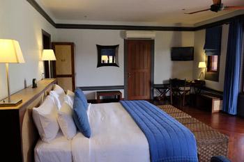 bd5b7-hotel_bagan_bagan_lodge_bedroom-2.jpg