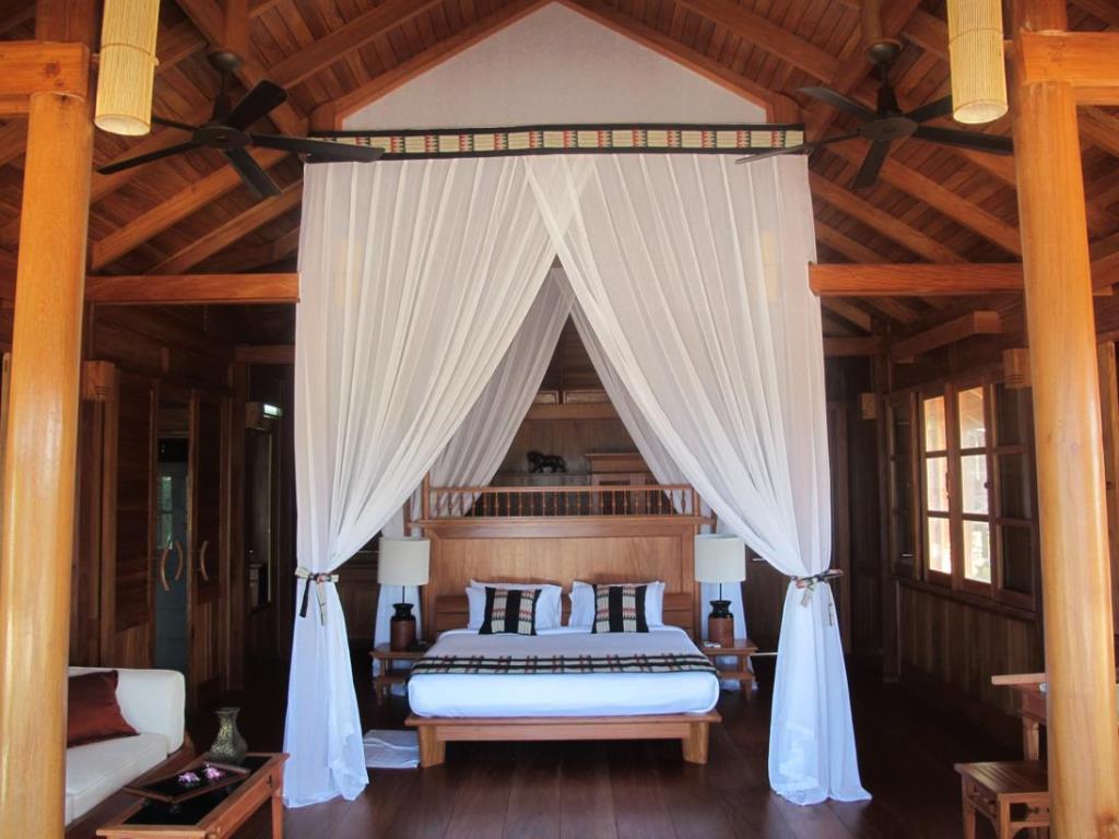 c02bd-Amara-Ocen-Bed-Room.jpg