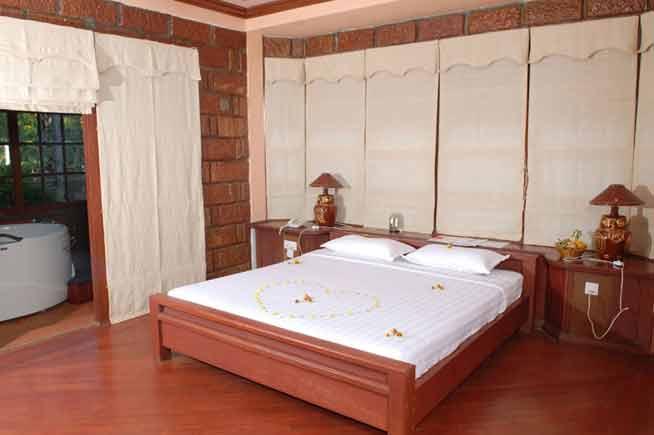 eec6b-bagan-princess-hotel-room1.jpg